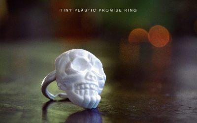 """Dustin Tucker Releases Single """"Tiny Plastic Promise Ring"""""""